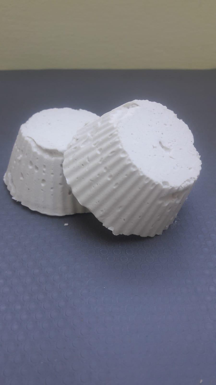 Champu-solido-arcilla-blanca